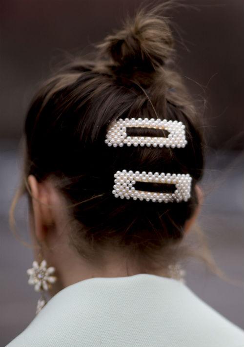 """Con perlas al estilo Chanel, metalizadas o en versión joya, con pedrería para transformar tu """"look"""" de diario a uno para el cóctel. (Foto: WGSN)"""