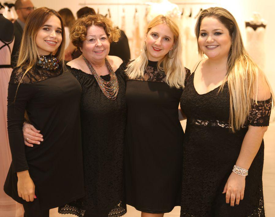 Luisa Echevarría, Yolanda Ortiz, Nicole Cordero, Andrea Santiago. Foto: José R. Pérez Centeno.