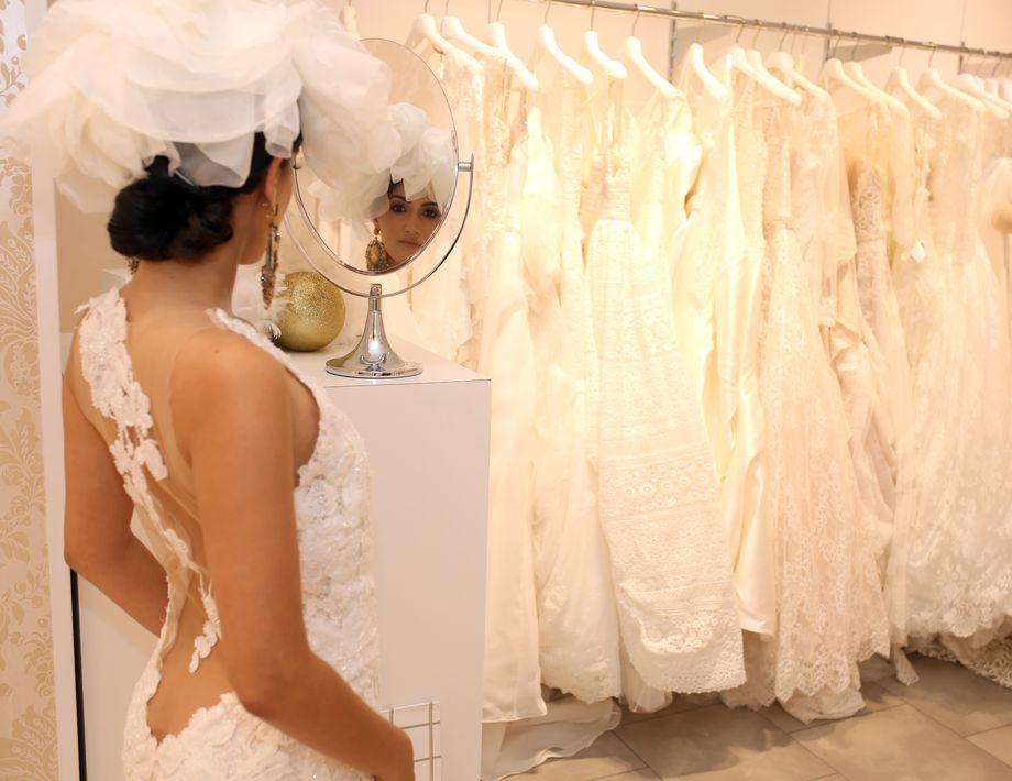 Las colecciones de alta costura para 2018 son las que se exhiben en la boutique para novias, junto a una selección de accesorios de María Elena Pérez. Foto: José R. Pérez Centeno.