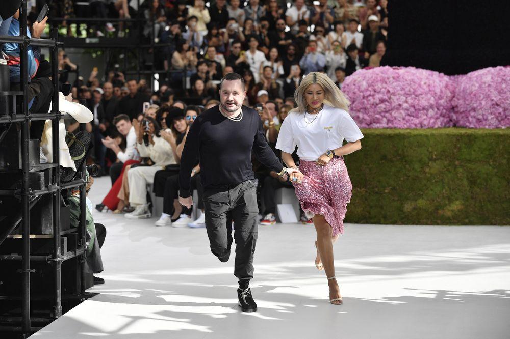 El desfile fue el primero del diseñador británico, Kim Jones, para la marca Dior Homme. (EFE)