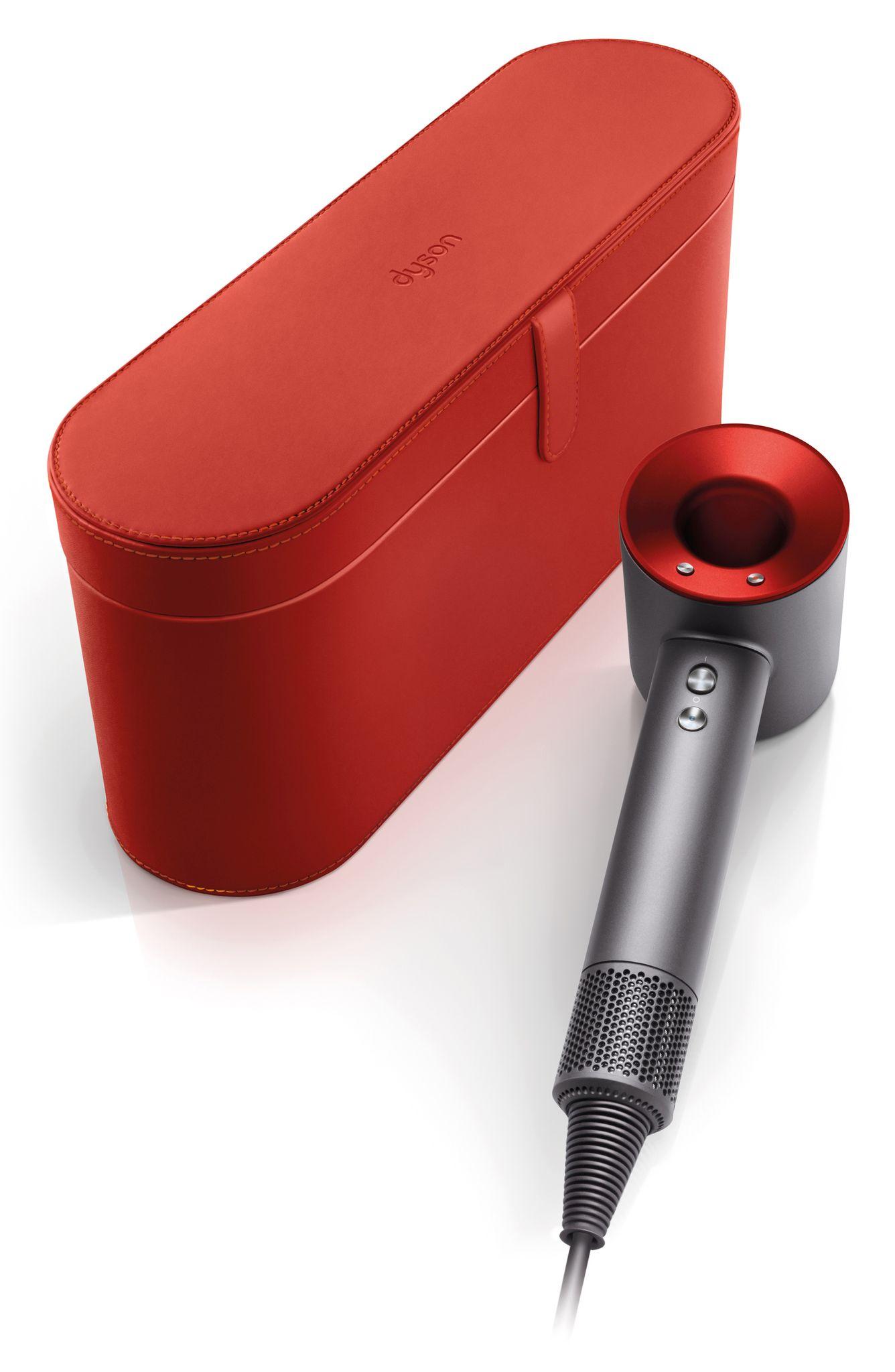 Secador de mano para el cabello Dyson Supersonic rojo de edición limitada, de Nordstrom. (Suministrada)