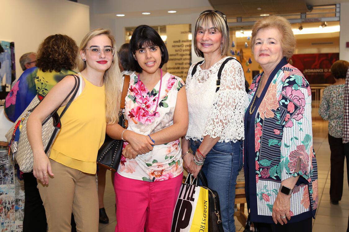 Mercedes Rodríguez, Rosamar Fonalledas, Mercedes Schwabe, Zoraida Fonalledas. (Suministrada)