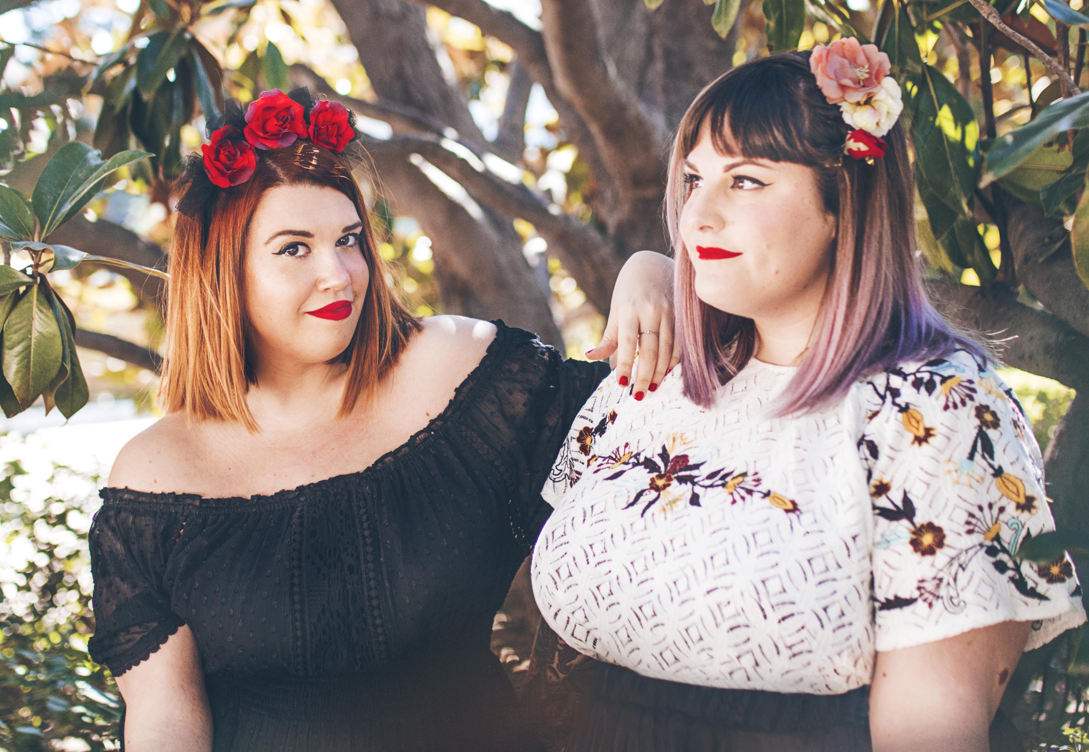 A la izquierda, Elena Devesa, y a la derecha, Rebeca Gómez (We Lover Size). Foto: AIGIBOGA.COM