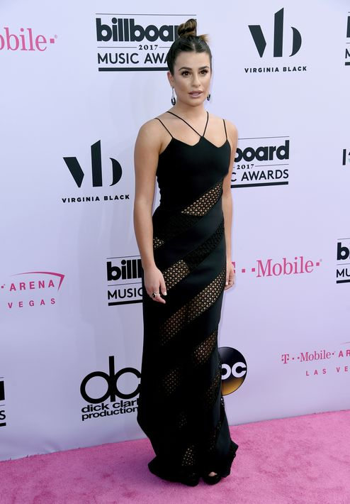 Lea Michele en modelo en transparencias de David Koma.