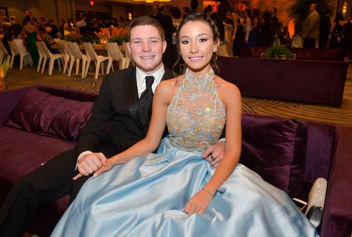 Anthony Díaz y Frances Toledo, en el Prom Night de Robinson School en el hotel Caribe Hilton.