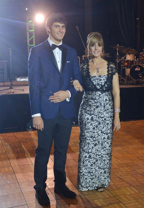 Michael Trautmann y Ana Rodríguez, en el Prom Night de Robinson School en el hotel Caribe Hilton.