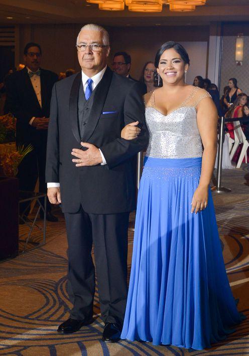 Juan y Alexandra Vázquez, en el Prom Night de Robinson School en el hotel Caribe Hilton.