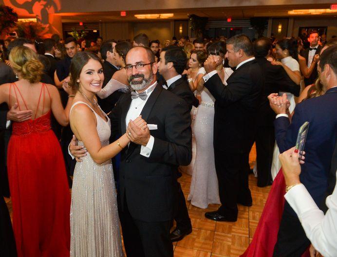 Sofía y José Silverman, en el Prom Night de Robinson School en el hotel Caribe Hilton.