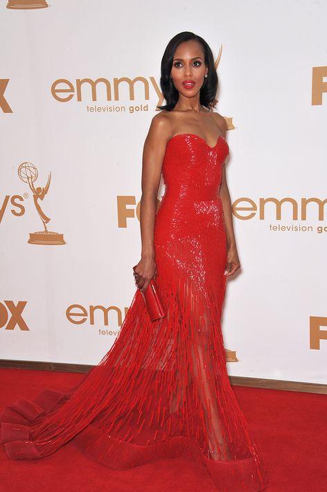 2011 -Usó un traje de Zuhair Murad en los premios Emmy.