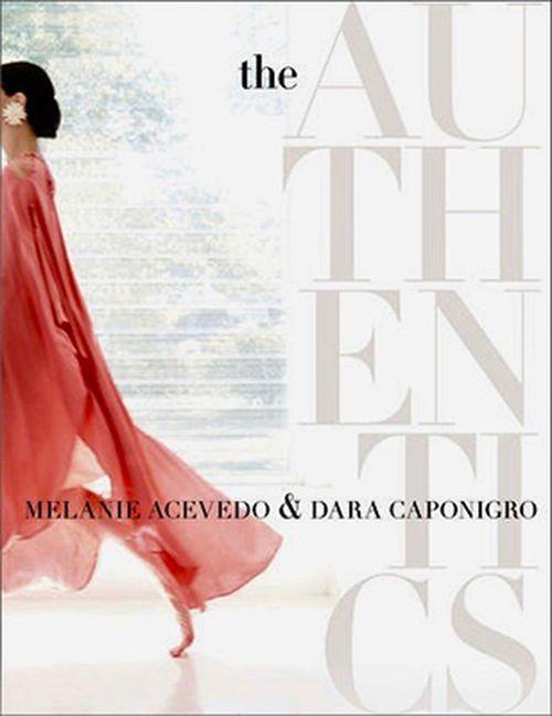 Los auténticos. Los originales, atrevidos, diferentes... Interesantes entrevistas y bellísimas fotos del mundo creativo de  visionarios genuinos de las artes, moda y diseño. Un libro clave para todo fashionista.