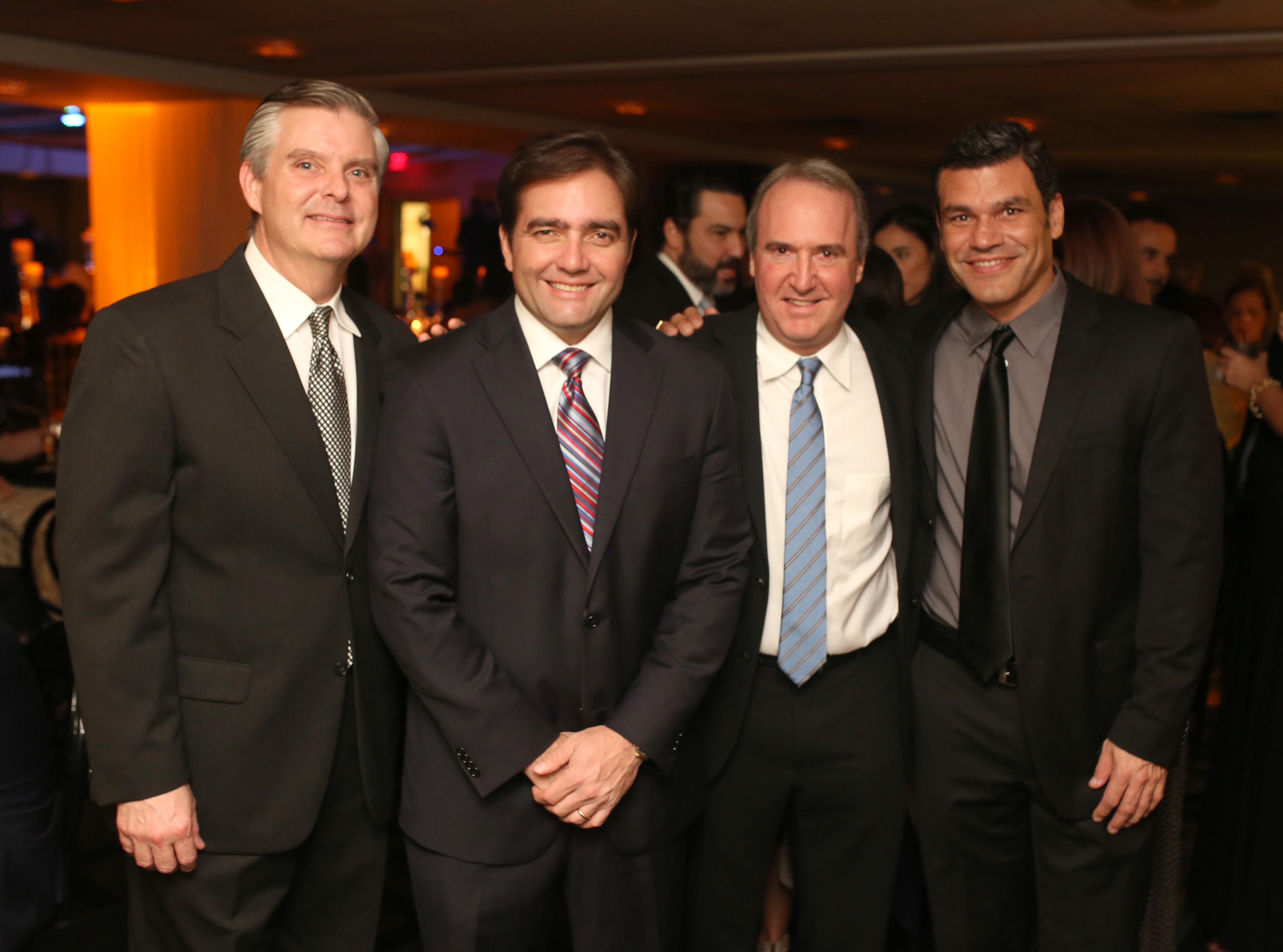 Luis Gautier, Tito Lebrón, Alfredo Santaella y Carlos Vázquez. Foto: José R. Pérez Centeno.
