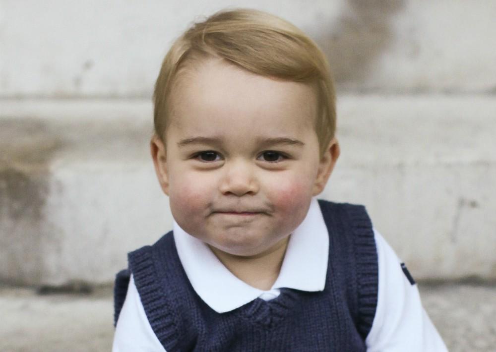 El pequeño George es el hijo mayor de los duques de Cambridge, quienes también son padres de la princesa Charlotte, de tres años, y el príncipe Louis de Cambridge, de solo meses de nacido. (Foto: AP)