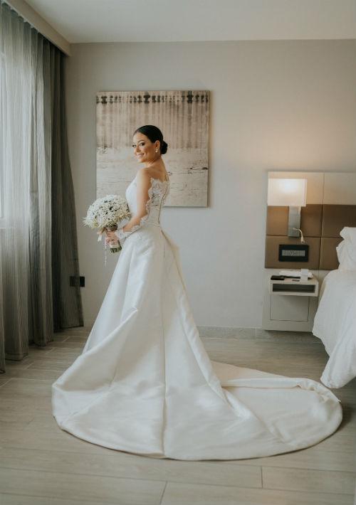 Vestido de la novia: Pronovias Barcelona de D'Royal Bride. (Suministrada)