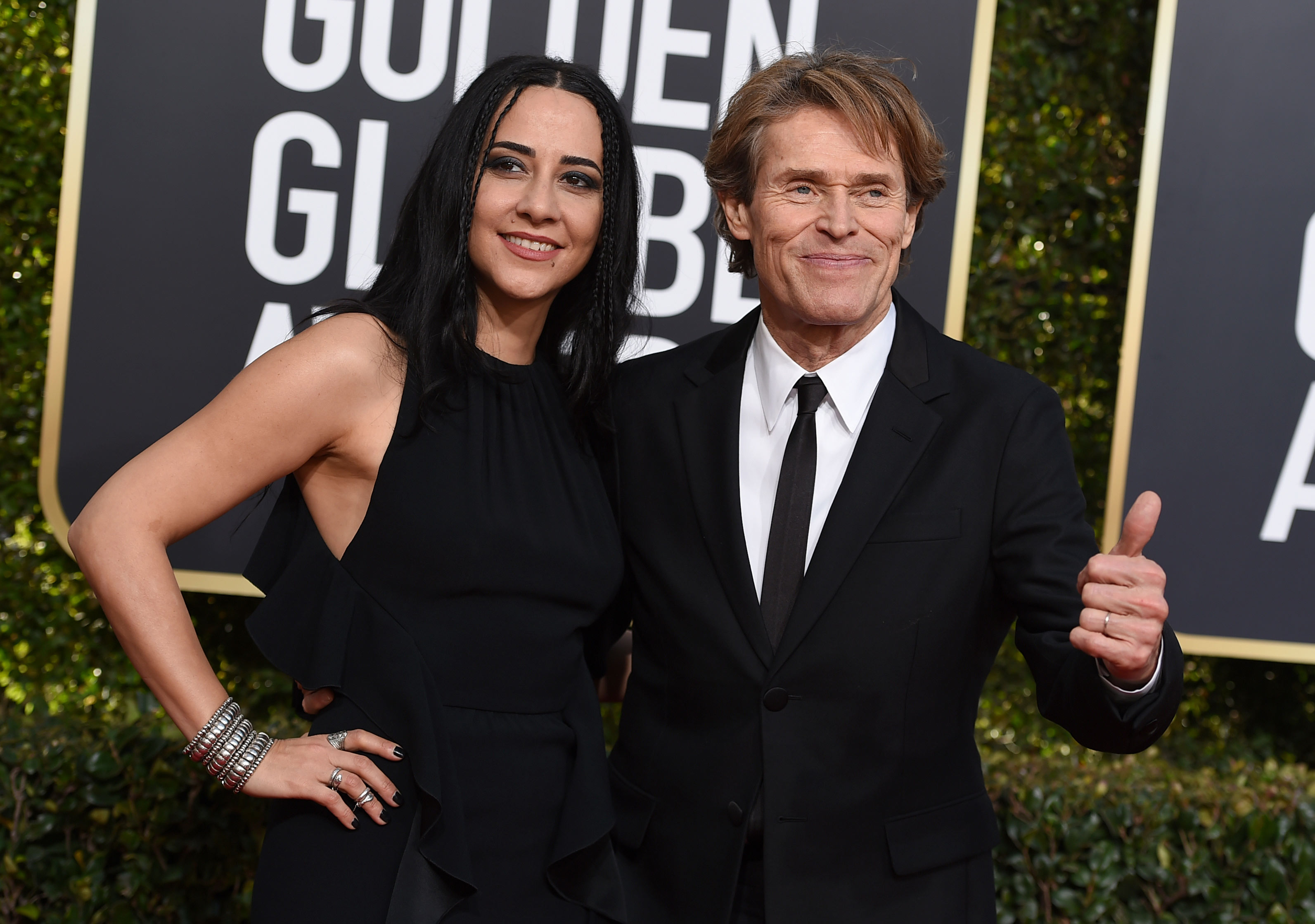 El actor y productor Willem Dafoe está casado con Giada Colagrande desde 2005 y estuvieron juntos en los Golden Globe. (Foto: AP)
