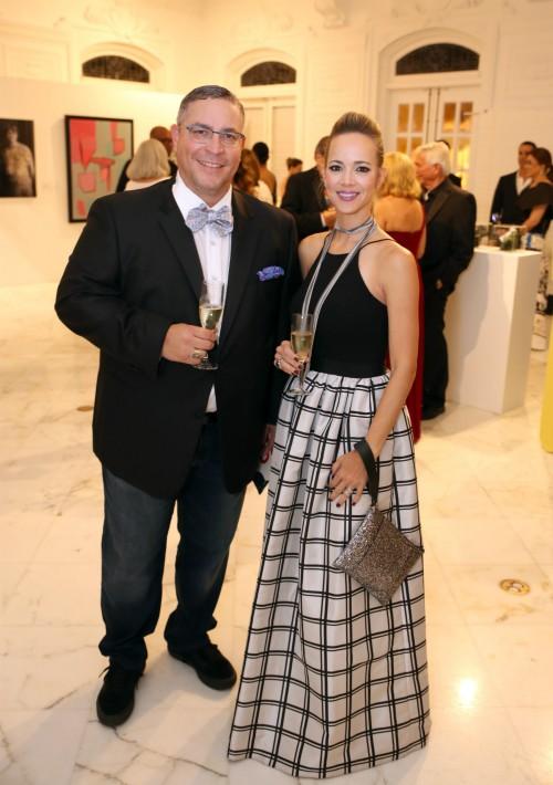 Jaime Sanabria y Joanne Rodríguez, en la gala que se le dedicó a Arnaldo Roche Rabell. (José Rafael Pérez Centeno)