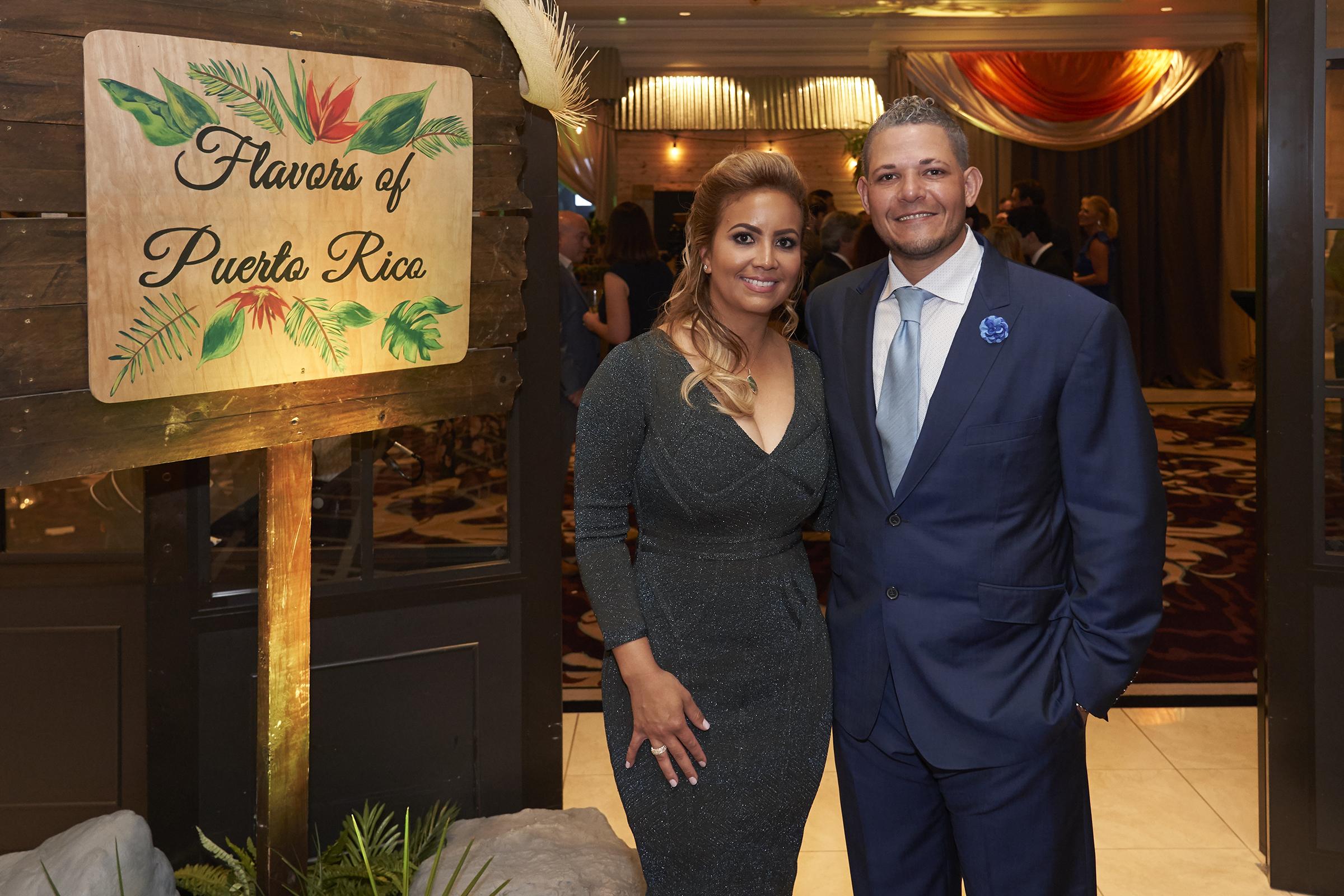 Yadier Molina y su esposa Wanda Torres, creadores de la fundación sin fines de lucro. (Suministrada)