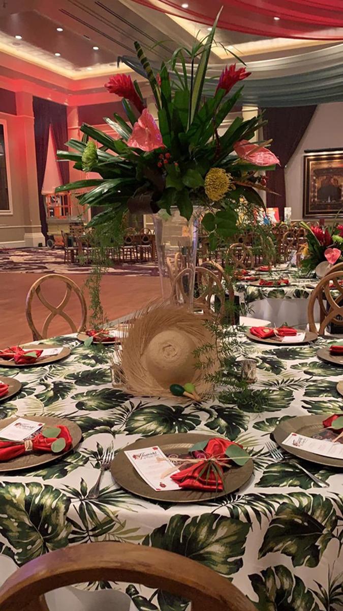 Decoración jibara navideña en las mesas. (Suministrada)