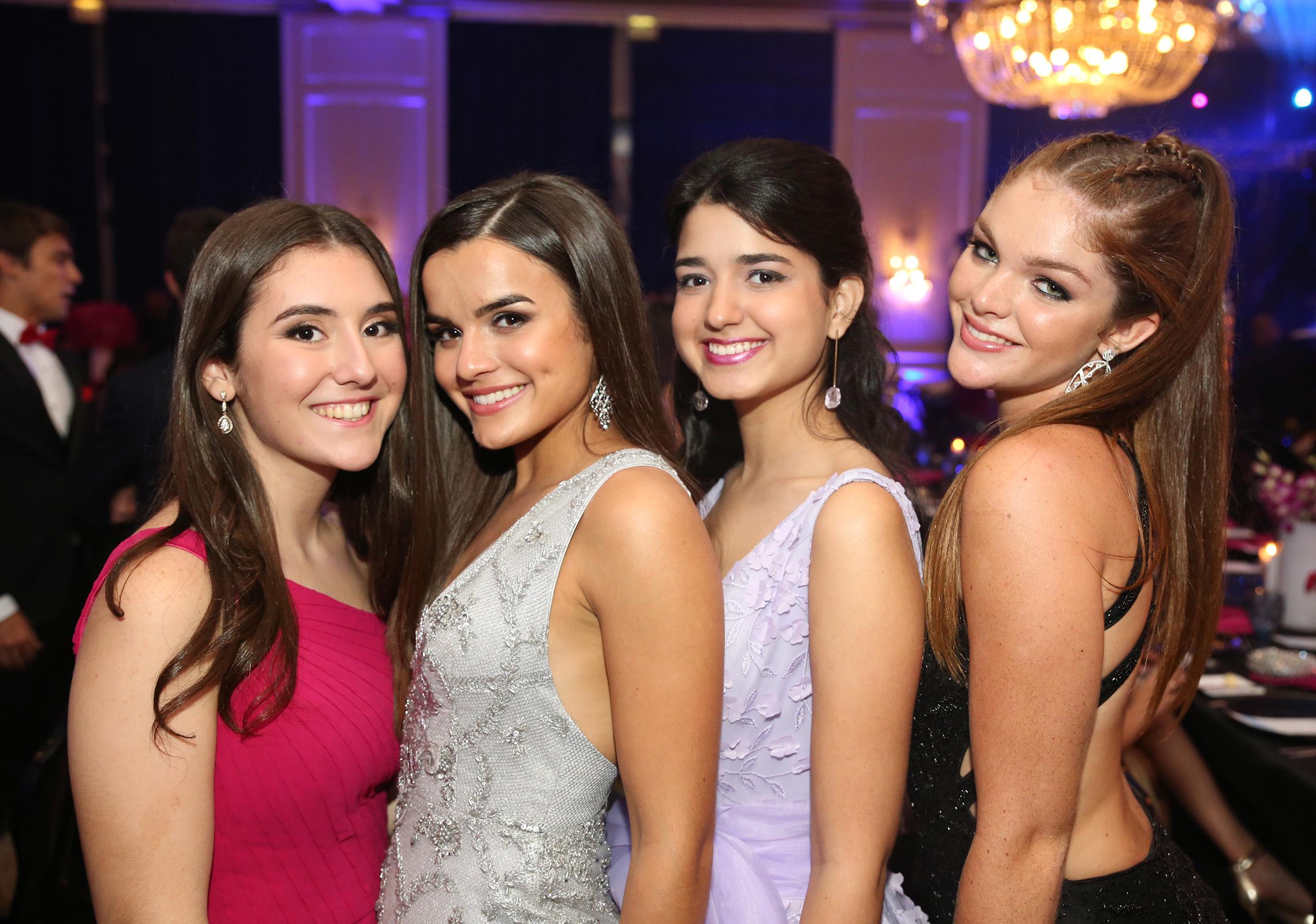 Ana Vélez, Julianna Bruce, Isabella Haddock y Fabiola Gierbolini. (José R. Pérez Centeno)