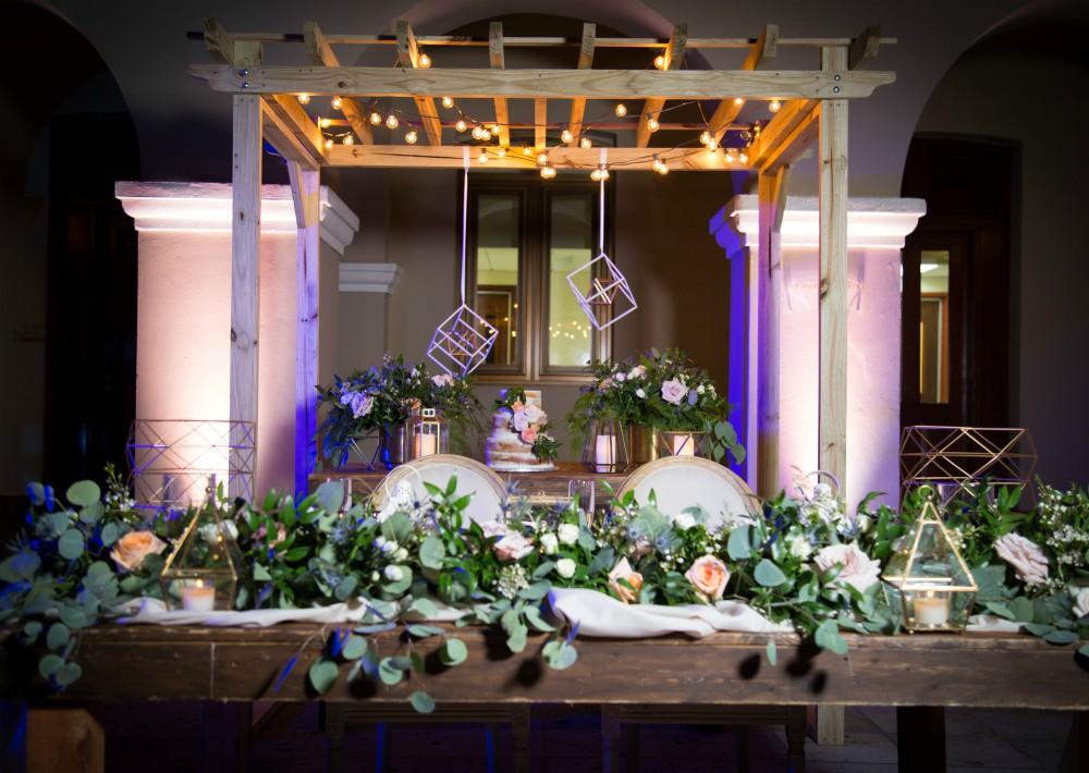 Decoración: Jat Lozano Flowers & Event Design.