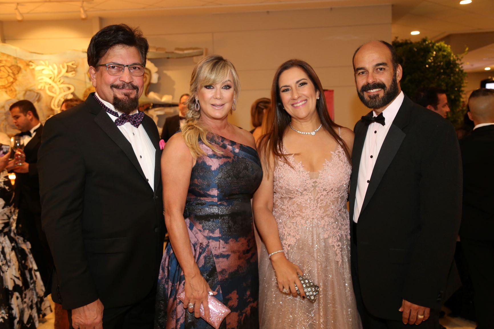 Carlos y Marie Portocarrero, Eva Cruz y David Soler (Nichole Saldarriaga)