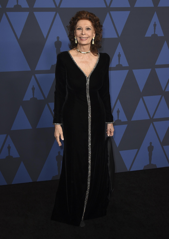 Sophia Loren de Armani Privé. Foto Jordan Strauss/Invision/AP
