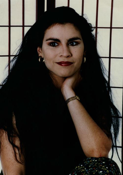 En 1993 cuando comenzó como solista lucía su melena larga y negra con mucho cuerpo. (Foto: Archivo)