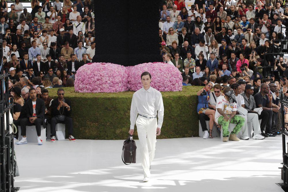 """Se espera que Jones -quien pasó siete convirtiendo al hombre de Louis Vuitton en un icono de la combinación de lujo y estilo urbano- le devuelva a la casa de moda """"el esplendor perdido"""". (EFE)"""
