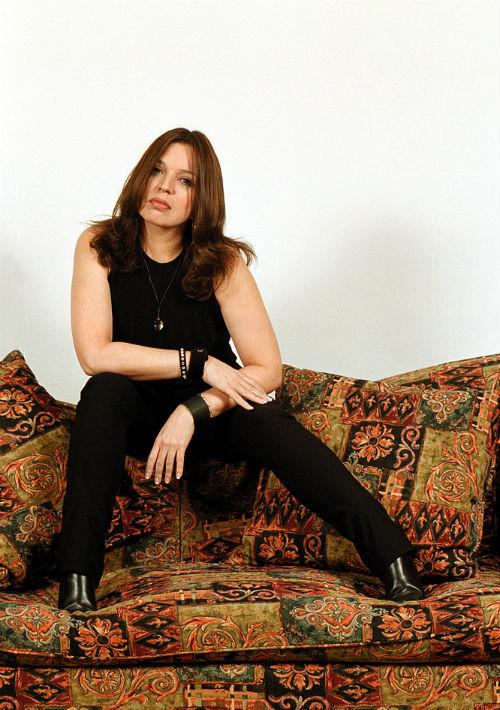 """En 2001 con el lanzamiento de su disco """"Sin límites"""", Ednita sorprendió a su fanaticada con un cambio de imagen radical. Esta vez llevaba el cabello marrón oscuro y un poco más largo, cortado en capas. (Foto: Archivo/ GFR Media)"""