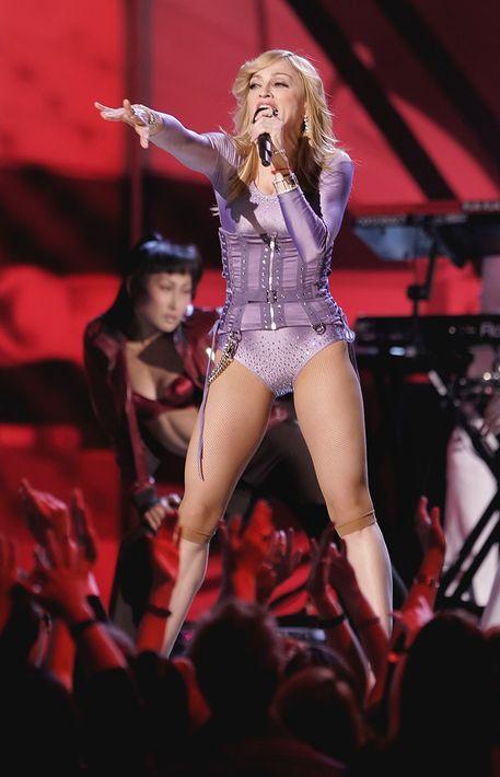 2006 - Ese año tuvo a su cargo la apertura de la edición número 48 de los premios Grammy, celebrada en febrero en Los Ángeles. (Archivo)