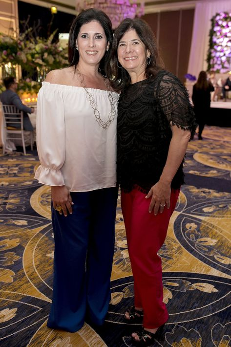 Mildred y Michelle Méndez, en la Festa di Primavera llevada a cabo en El San Juan Hotel.