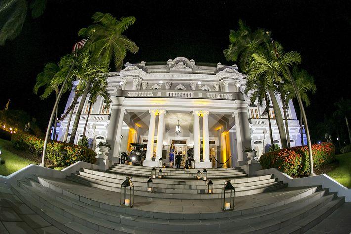 Vista del Antiguo Casino de Puerto Rico en la celebración del centenario del centro.