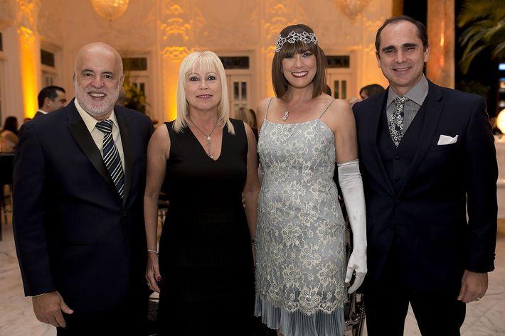 Coco y Migdy Morales, Ana Mellado y Leonardo Cordero en la celebración del centenario del Antiguo Casino de Puerto Rico.