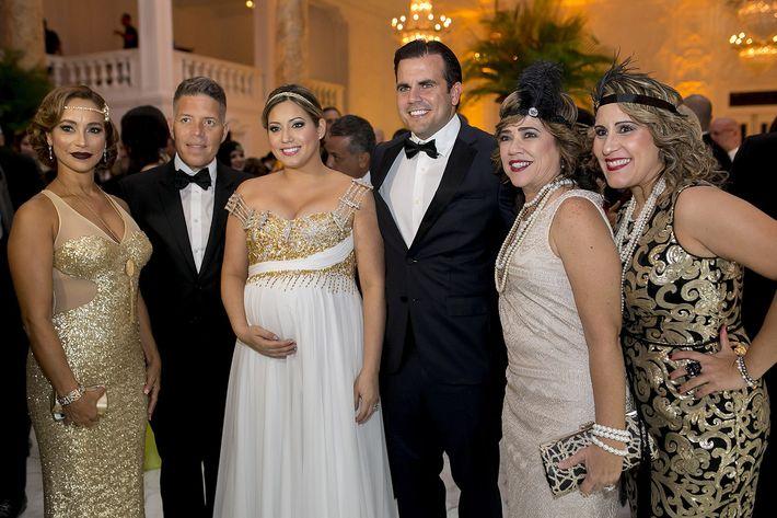 Zenaida Díaz,  Carlos Bermúdez, Gobernador Ricardo Rosselló, Primera Dama Beatriz Rosselló, Margarita Ballester y Vialys Rivera en la celebración del centenario del Antiguo Casino de Puerto Rico.