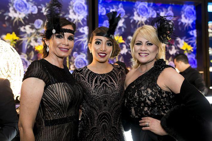 Gabriela y Nancy Escalera junto  a Aurea Negrón en la celebración del centenario del Antiguo Casino de Puerto Rico.