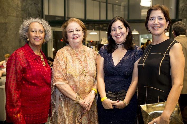 Teresa Nazario, María Celeste Guerra, María Elena González y María Teresa Pacheco. Foto Xavier García.