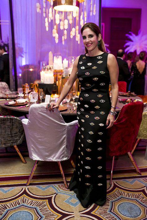 Lulu Puras y la mesa decorada a su estilo. (Foto: Xavier García)