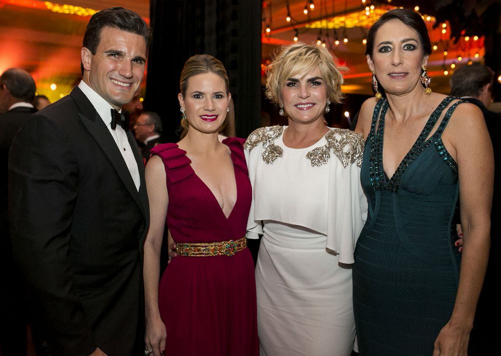 Richard Carrión, Caroline McConnie, María Luisa Ferré y Alejandra Peña. (Foto: Xavier García)