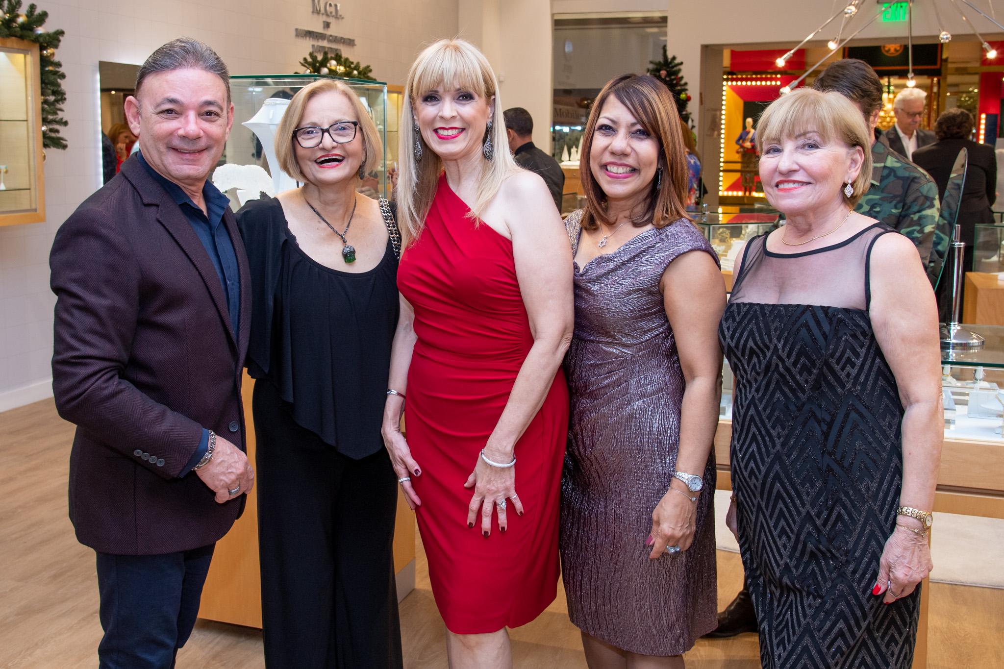 Nicolás Betancourt, Rosadela Varela, Vanessa Olivo, Yolanda Pérez y Maria Hernández. (Suministrada)