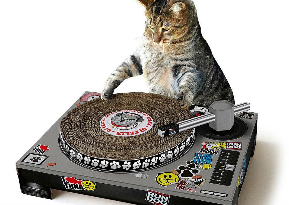 """Plato de rascar las uñas """" DJ Cat Scratching"""" para gatos, de Amazon. (Foto: Suministrada)"""