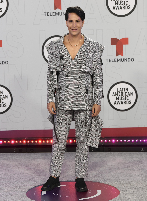 Christian Chávez eligió un traje del diseñador filipino Francis Libiran. (AP)