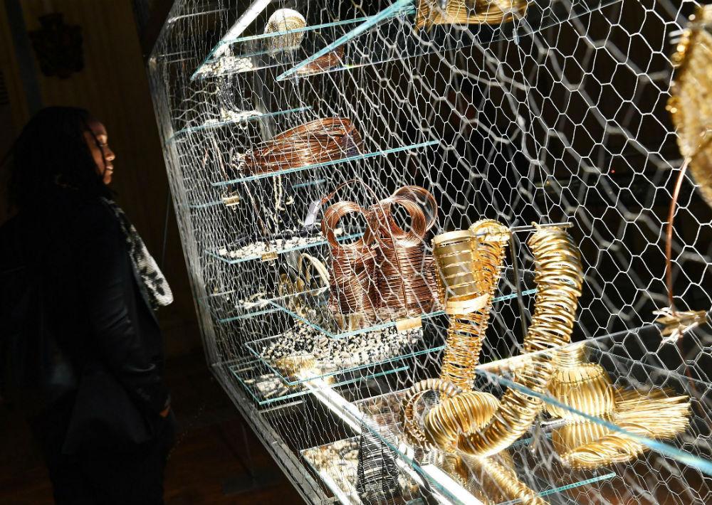 La curadora de la exposición fue la francesa Alfano Miglietti. (Foto: AP)