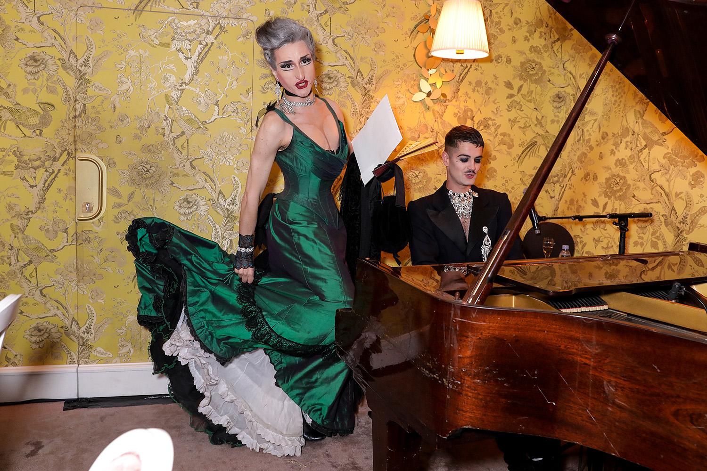 El pianista y acompañante. Fotos Paul Blind, Francois Goizé, Valentin Lecron.