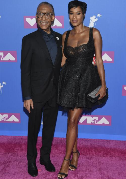 Al Sharpton y Aisha McShaw. (AP)