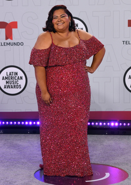 """La intérprete de Rox en """"La suerte de Loli"""", Gisella Aboumrad, eligió un vestido de la firma Mac Duggal para la ocasión. (AP)"""