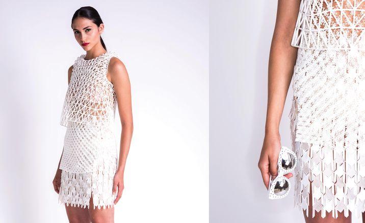 Vestido y detalle de la misma prenda elaborada con filaflex por Danit Peleg.