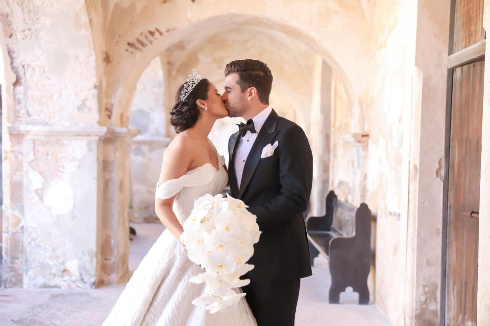 """La pareja en su """"first reveal"""". Fotografia: Keren Photography"""