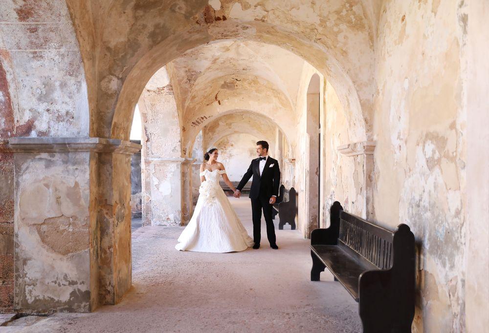 La boda de Aleyda Ortiz y Ricardo Casanova fue coordinada por Yaska Crespo, con invitaciones de Invito in Rossi y transportación de Raymond Toledo. Fotografia: Keren Photography