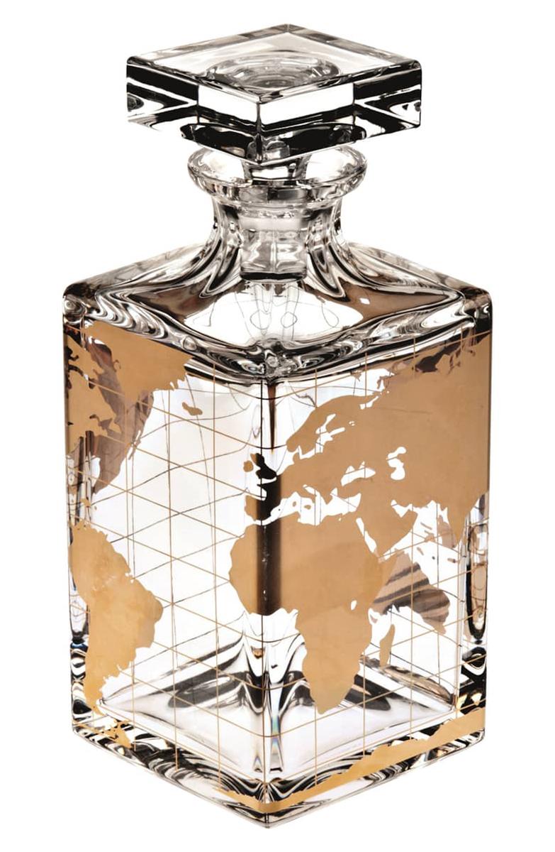 """Decanter en cristal """"Atlas""""de Oscar de la Renta, disponible en Nordstrom."""