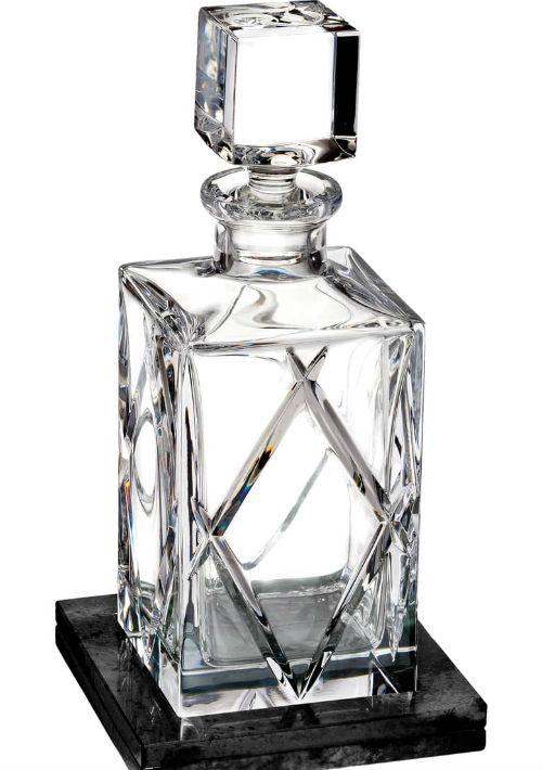 """Licorera de cristal Waterford con juego de """"coasters"""" de Nordstrom. (Foto: Suministrada)"""