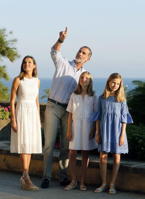 Los reyes de España inician su estancia veraniega en Palma de Mallorca. (Foto: EFE)